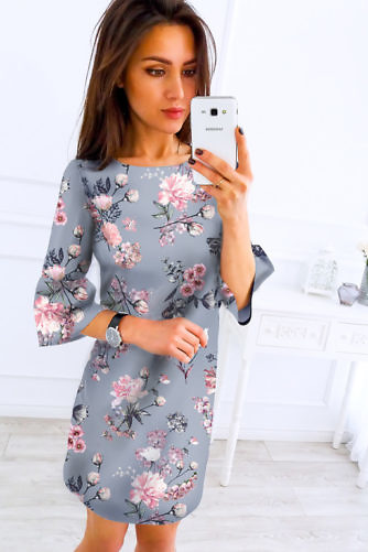 Lilleline kleit trompet-varrukatega
