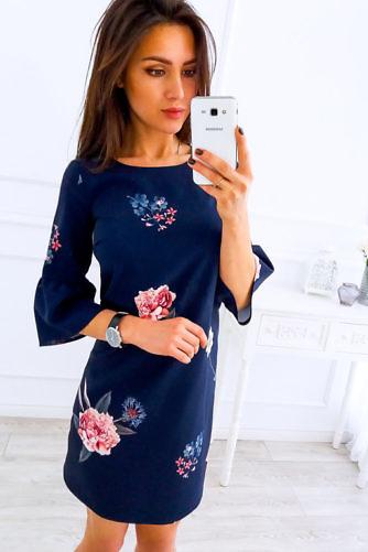 kelluk-varrukatega kleit