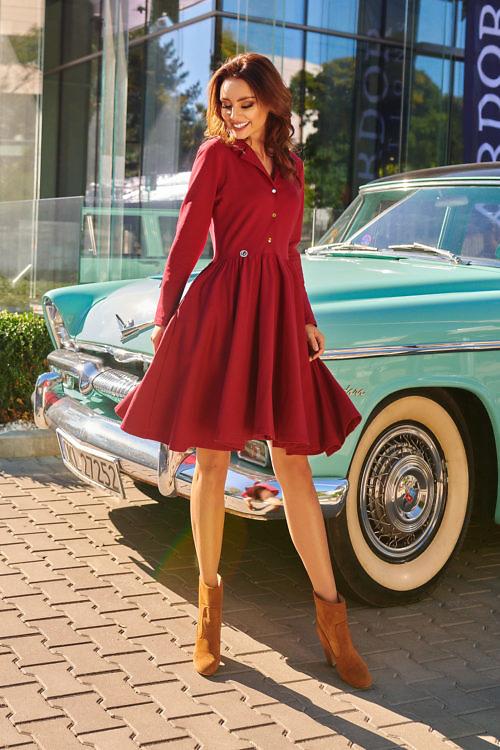 klošš-lõikeline kleit