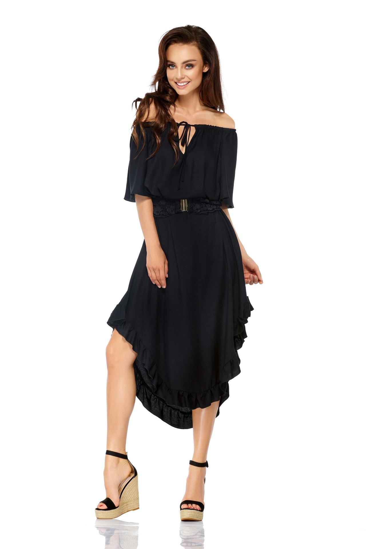 0a8a5572a34 Volangiga kleit pitsist vööga (must ja valge) LLG501   Kleidid ...