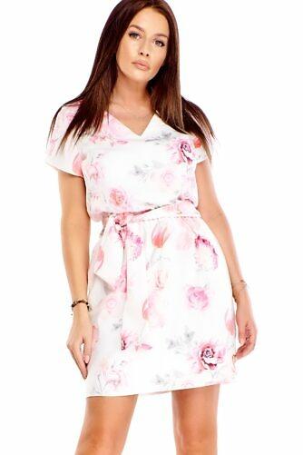 Hele lilleline kleit vööga