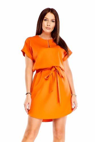 Oranž kleit vööga