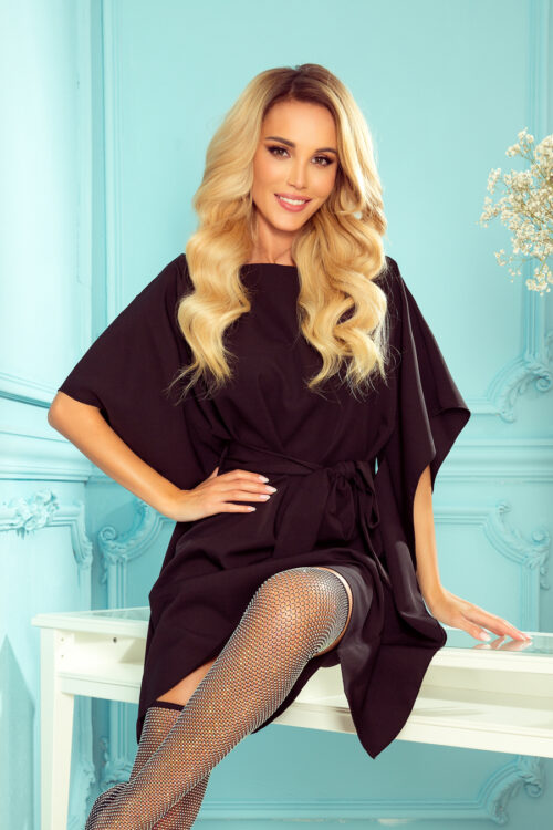 Liblika-lõikeline kleit must