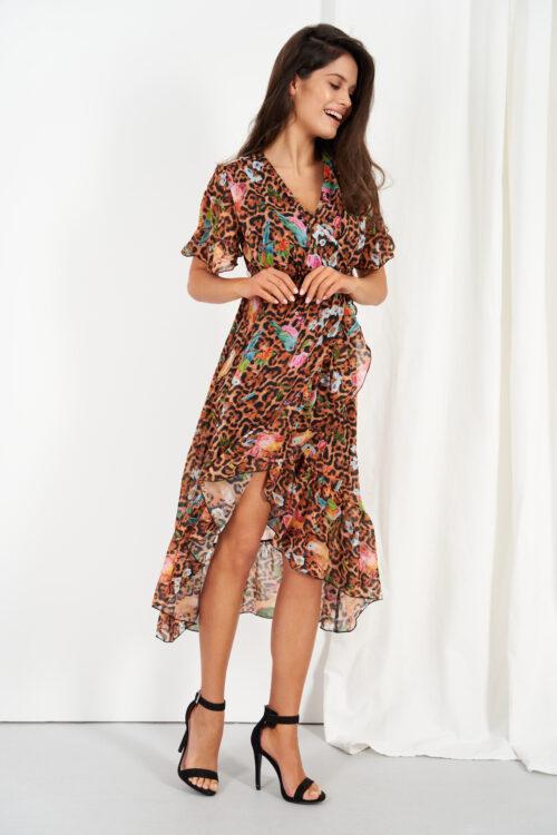Tagant pikenev õhuline hõlmik-kleit vööga